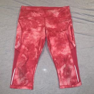 LULULEMON Pink Tie Dye Cropped Leggings w Mesh